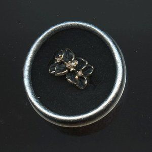 Ring, Engagement/Promise, Black flowers, accents